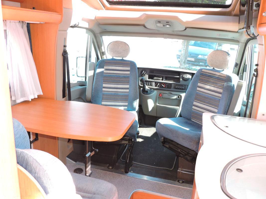 camping-car-renault-nat-loisirs-metzeral-interieur